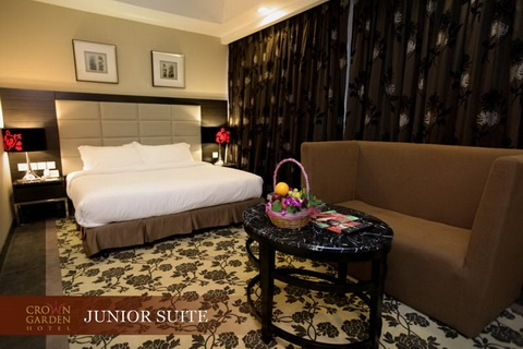 JUNIOR SUITE 1